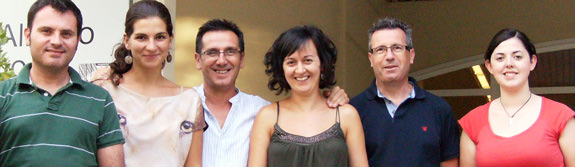 using-mri-to-measure-fatty-acids-in-olive-oil--dr-andres-moreno-3rd-from-left-and-fellow-researchers-at-uclm