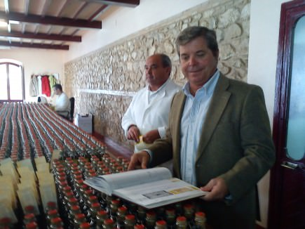 the-nunez-de-prado-obession-with-perfection-felipe-nunez-de-prado-oversees-the-handlabeling-of-flor-de-aceite
