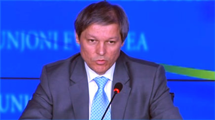 ciolos-unveils-plan-for-ailing-olive-oil-sector