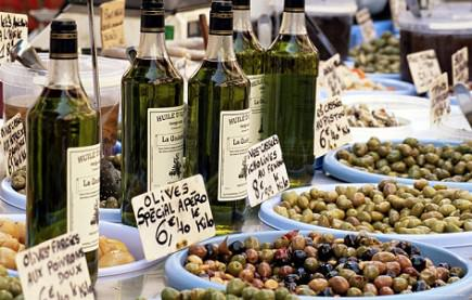 olive-oil-not-always-local-at-provence-markets