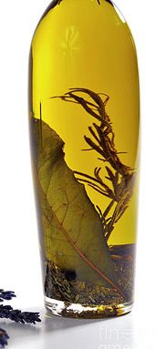 a-handmade-gift-of-infused-olive-oil